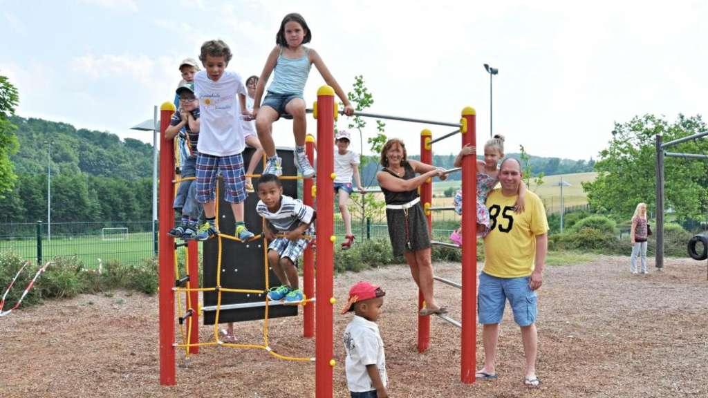 Klettergerüst Kinder Outdoor : Ein neues klettergerüst als geschenk zum fest usingen