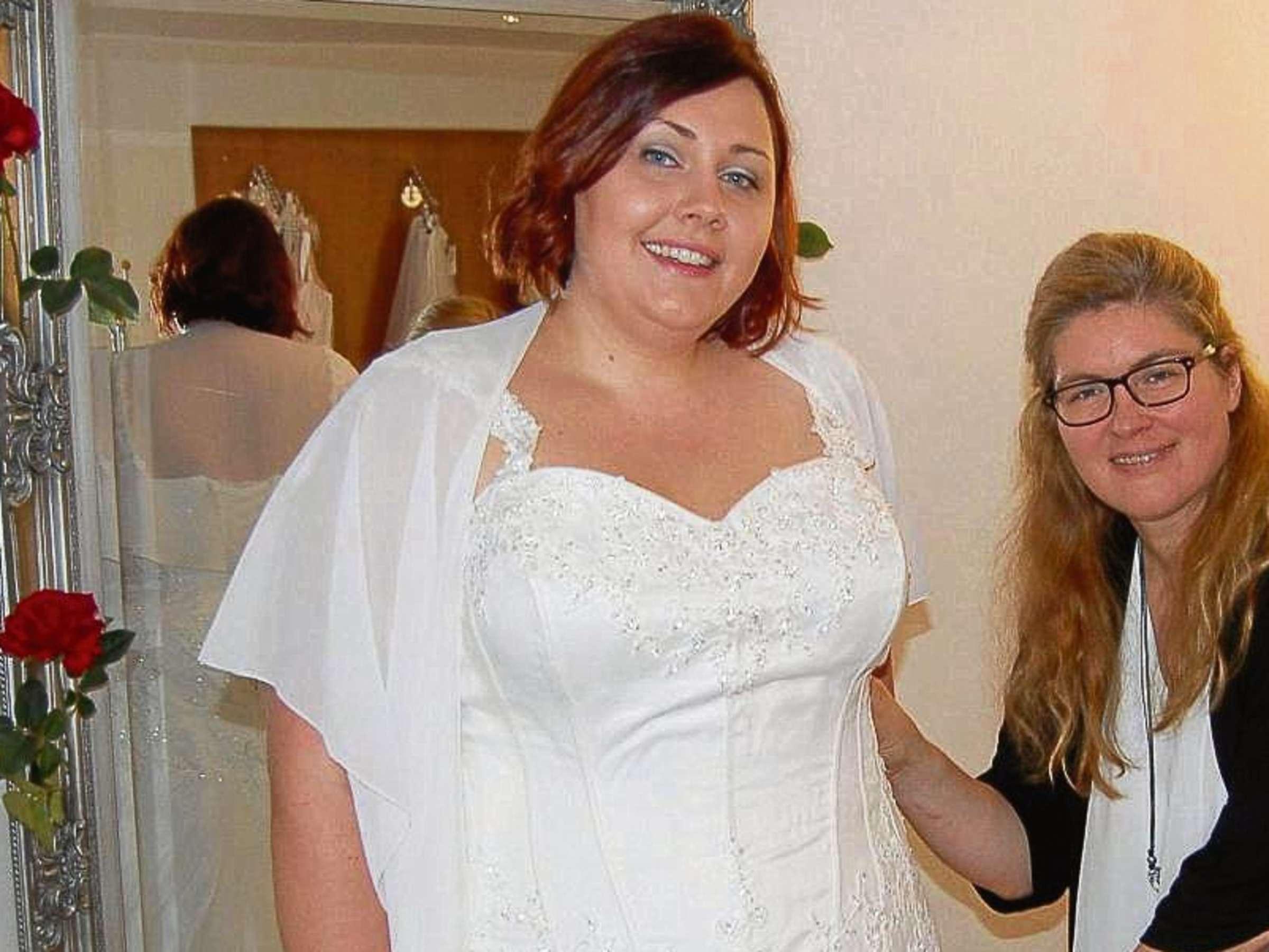 Brautmode in Übergröße und Brautkleider in XXL: Laden von Cornelia