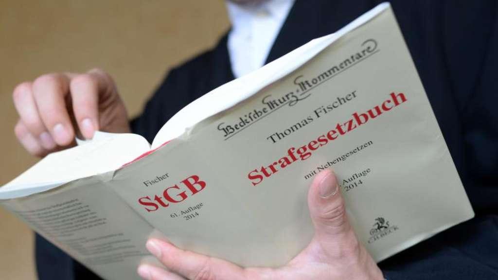 """Resultado de imagen de strafgesetzbuch imágenes"""""""