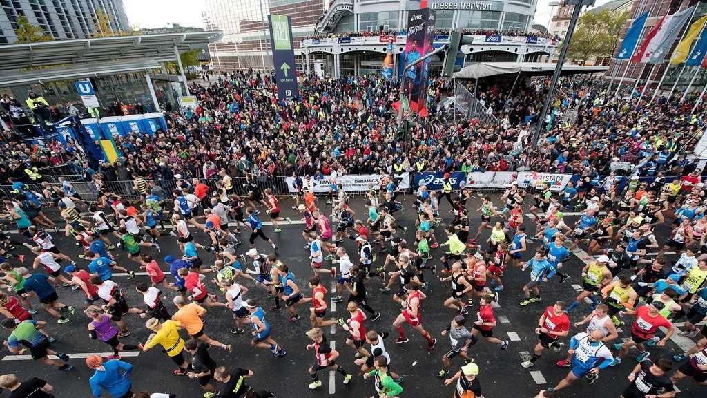 Von Lauffieber Und Wadenkrampf Läufer Geben Beim Marathon Alles