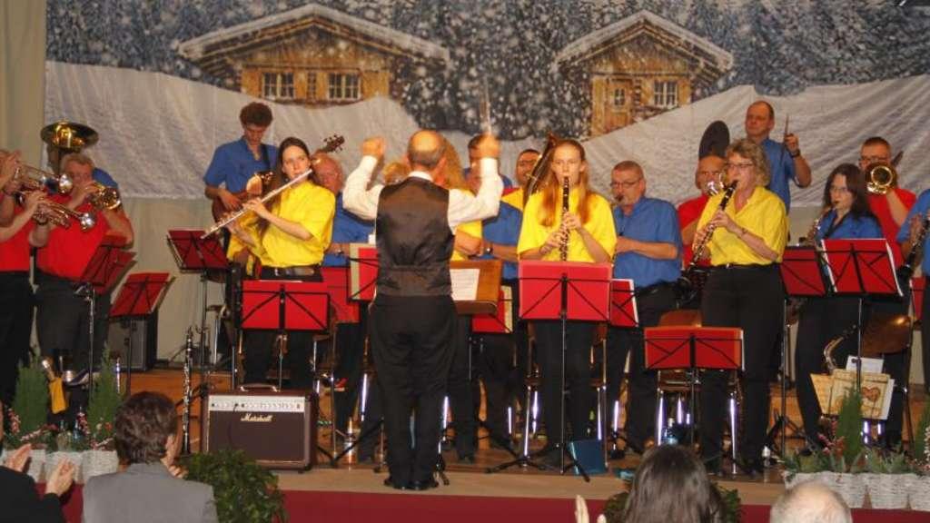 Blasorchester Büdesheim präsentiert Weihnachtslieder-Potpourri ...