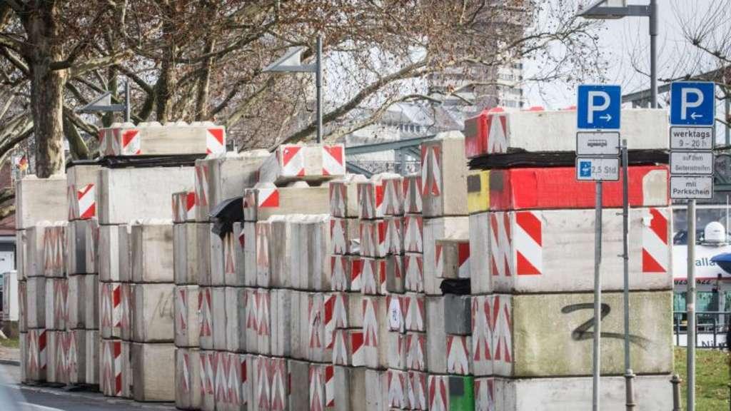 e3f5ba638a714a Terrorschutz  Betonsperren in der Frankfurter Innenstadt
