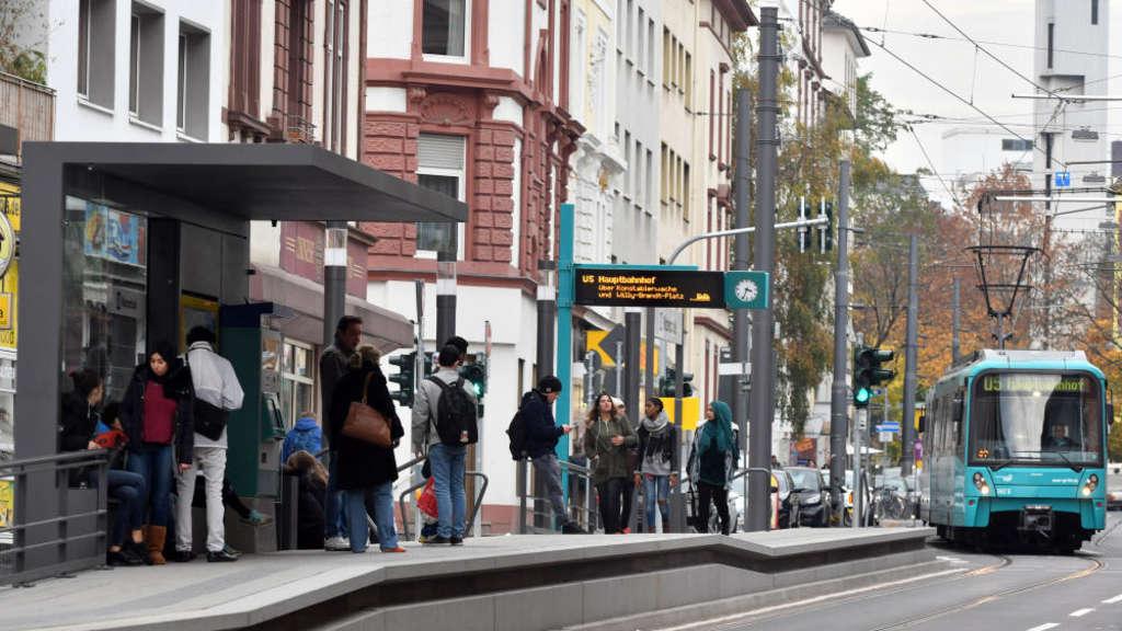 30 Haltestellen In Frankfurt Werden 2018 Barrierefrei Frankfurt