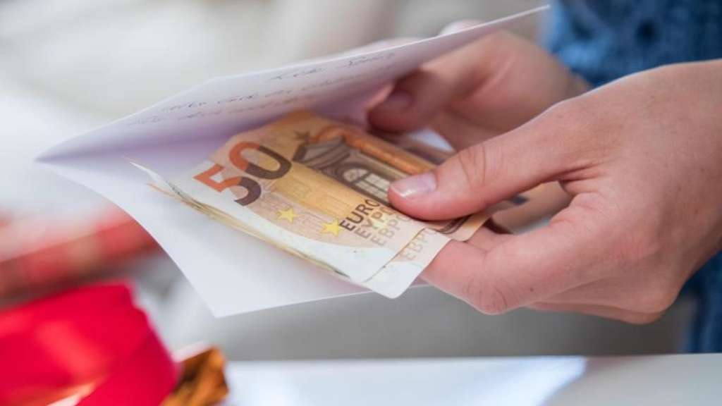 Geldgeschenke Für Herzenswünsche Und Ein Schönes Fest Geld