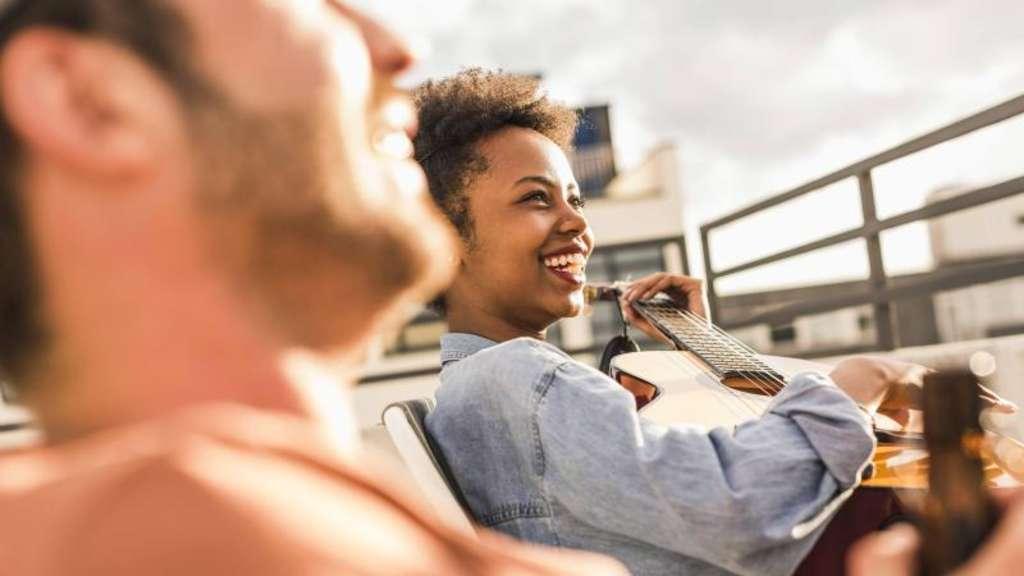 Date-Website gemeinsame Interessen Dating cia Officer
