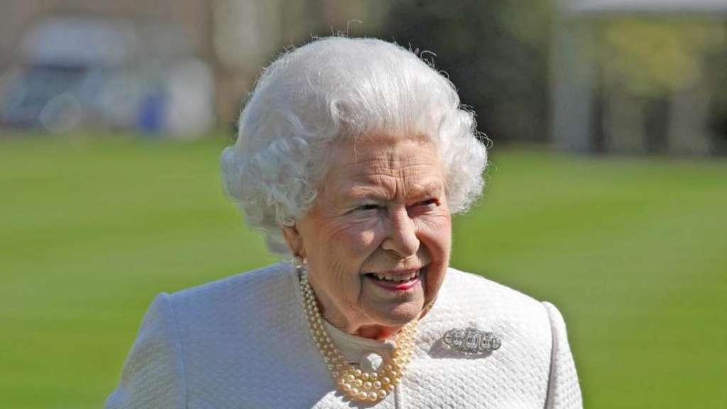 Queen Elizabeth Ii Feiert 92 Geburtstag Mit Konzertbesuch