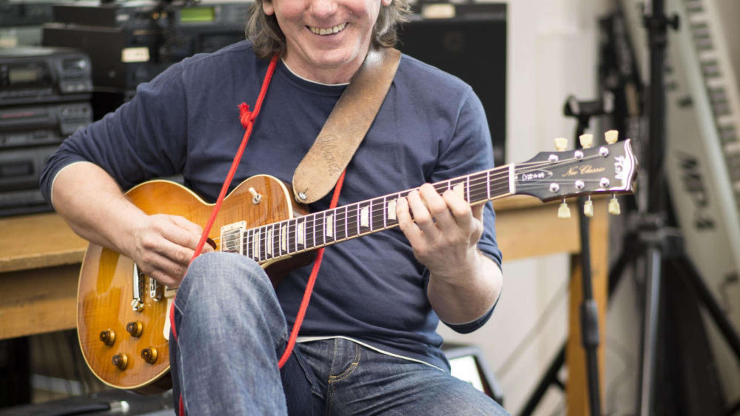 Jazz Gitarrist Michael Sagmeister Ist Der Musik Missionar Frankfurt