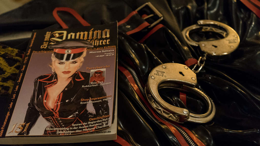 Domina Mistress Solitaire