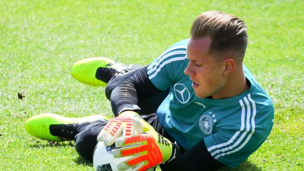 Torwart Marc-André ter Stegen beim DFB-Training in Eppan.