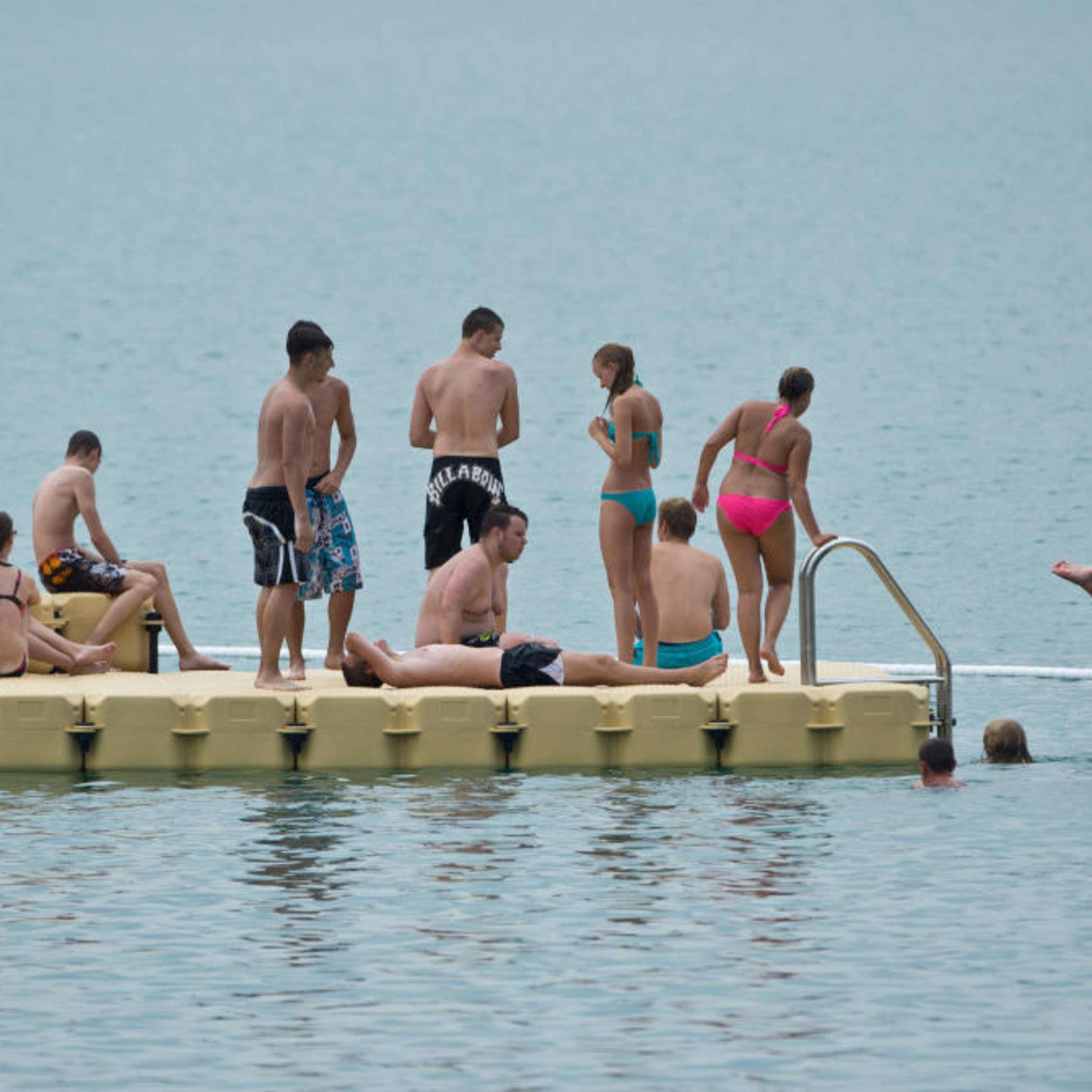 Am see baden nackt Nacktbaden