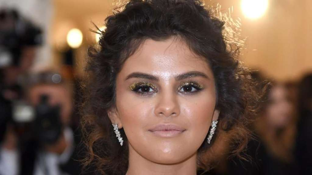 Selena Gomez hat neue Tattoos.