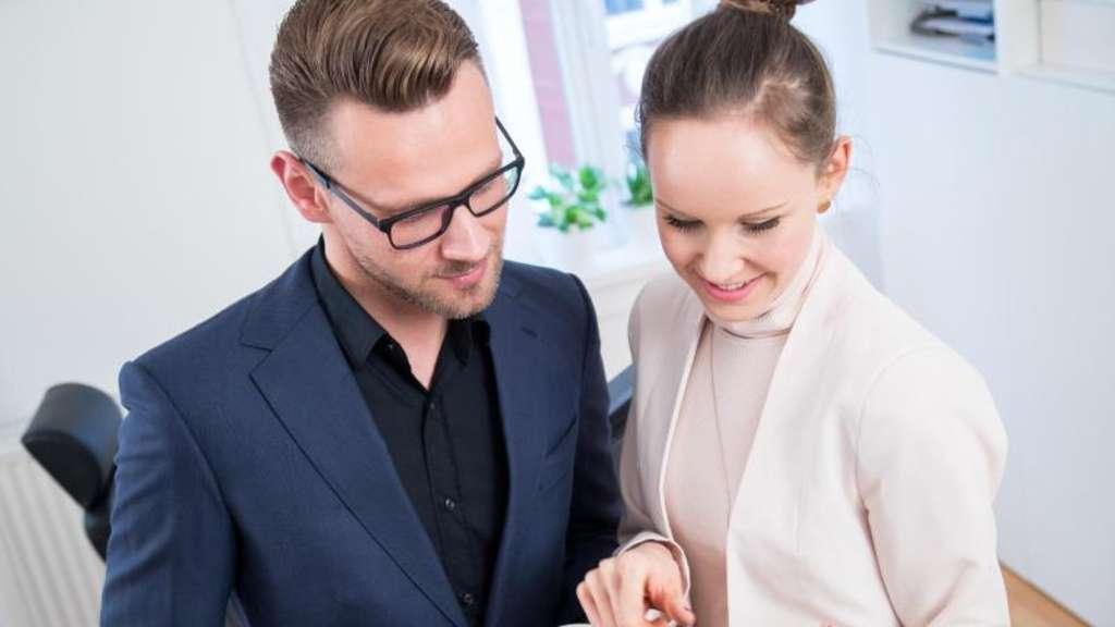 Dating einer Frau mit einem vollen Terminkalender