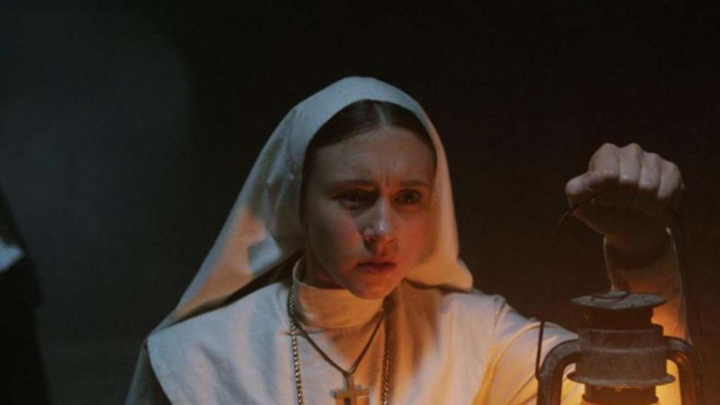 "Taissa Farmiga als Schwester Irene in ""The Nun""."