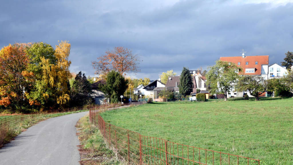 Friedrichsdorf Die Stadt Macht Eine Wiese Zu Bauland Um Einen