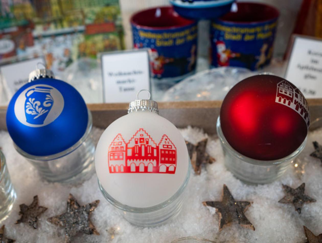 Eintracht Frankfurt Christbaumkugeln.Hessen Kaufen Immer Mehr Merchandising Produkte Ihrer Heimstädte