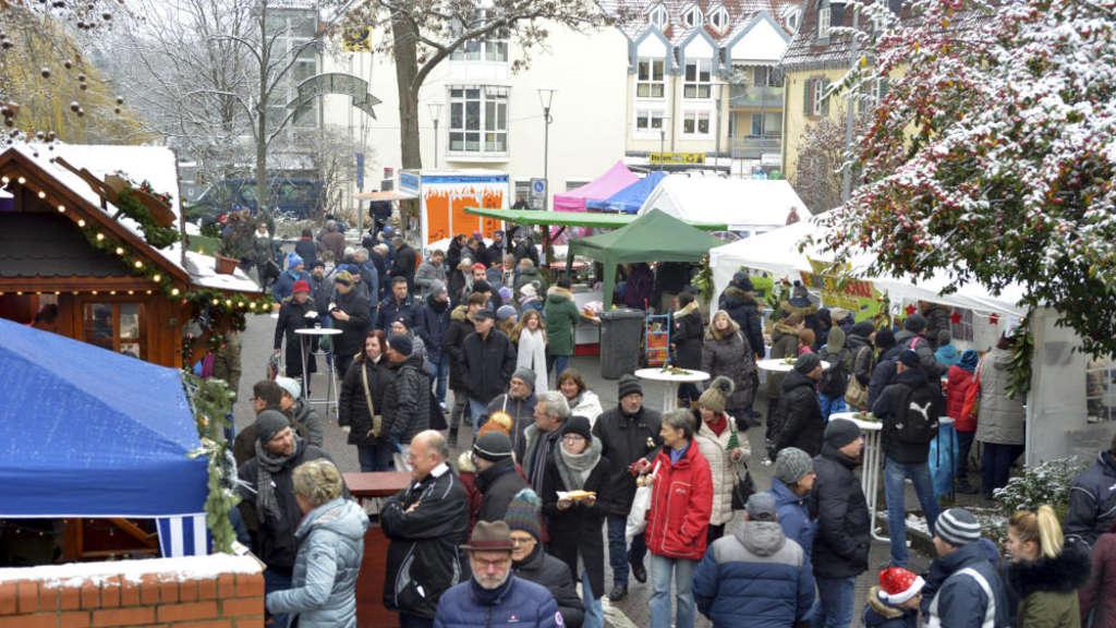 Stände Weihnachtsmarkt.Hattersheimer Weihnachtsmarkt Stände Müssen Auf Parklatz Ausweichen