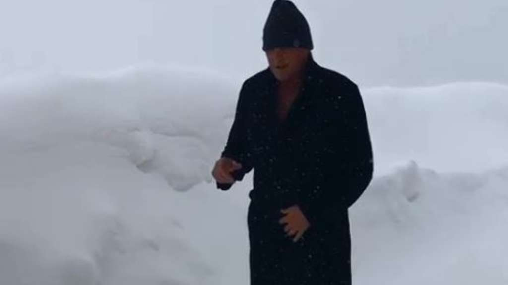 Ein Screenshot aus dem Video von David Hasselhoff.