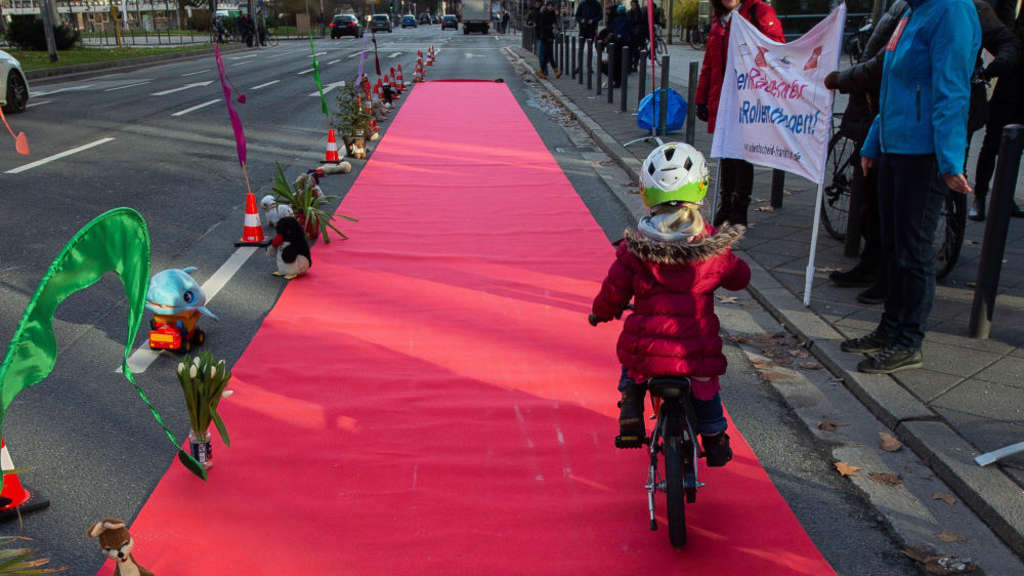 "Demo-Aktion ""Pop-up-Radweg"" Frankfurt"
