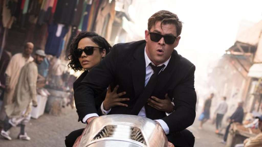Agentin M (Tessa Thompson) und Agent H (Chris Hemsworth) geben Gas. Foto: Sony Pictures Entertainment Deutschland