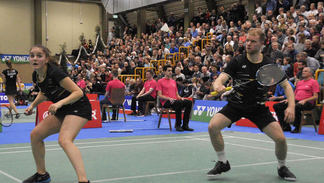 Badminton-Party in Bad Camberg vor 700 Fans
