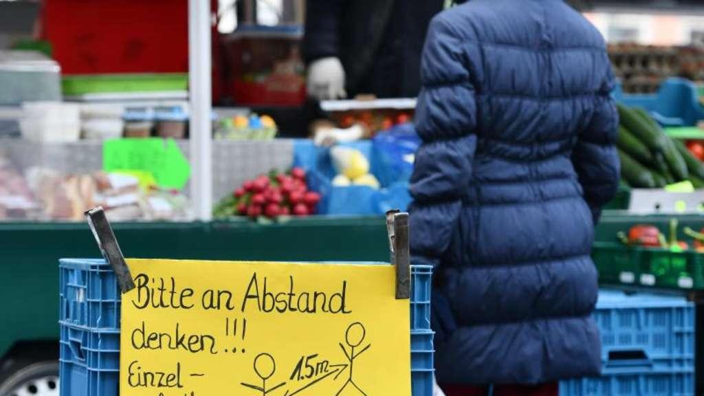 Erste Hamsterkaufe Treiben Umsatze Im Einzelhandel Wirtschaft