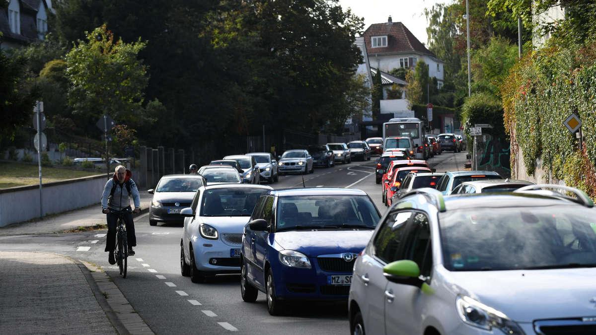 Hofheim: `Radstreifen auf der Rheingaustraße ist machbar`
