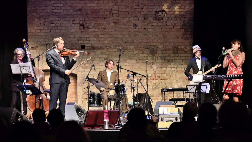 Wurden 2020 mit dem Deutschen Rock & Pop Preis ausgezeichnet: Bändi, die sich dem Tango verschrieben haben.